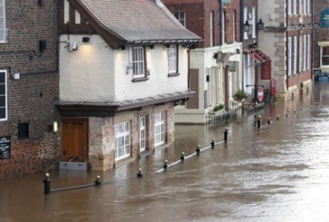 Lenders at risk from end to flood deal