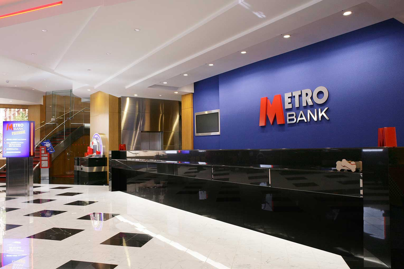 Metro Bank cuts residential and buy-to-let rates